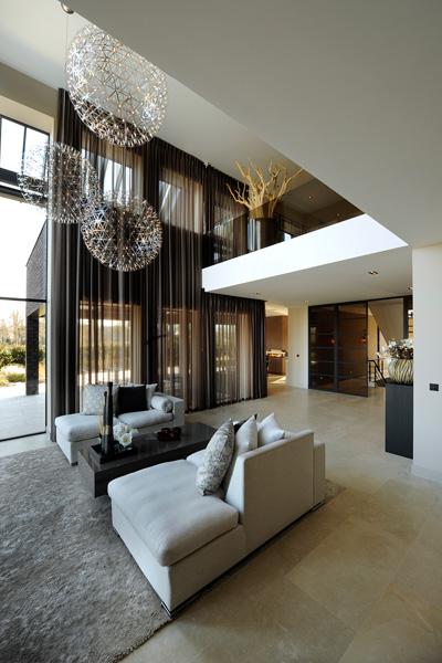 Het interieur is afkomstig van RMR interieurbouw.