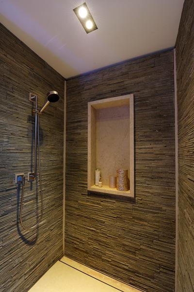 Het sanitair in de badkamer is afkomstig van Hummel.