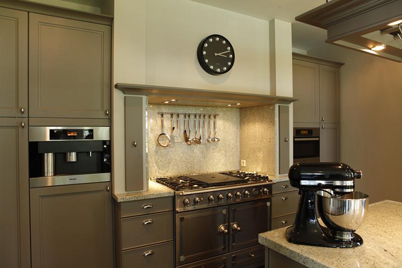 The Art of Living, Exclusief wonen, Keukenhuys De Tweede Kamer, keuken, klassiek, modern, fornuis, villa, oven, keukenmachine