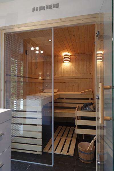 The Art of Living, Exclusief wonen, Installatiebedrijf Jan van Gerven, sauna, wellness, luxe badkamer, villa, ruimtelijk, comfort, tegelvloer
