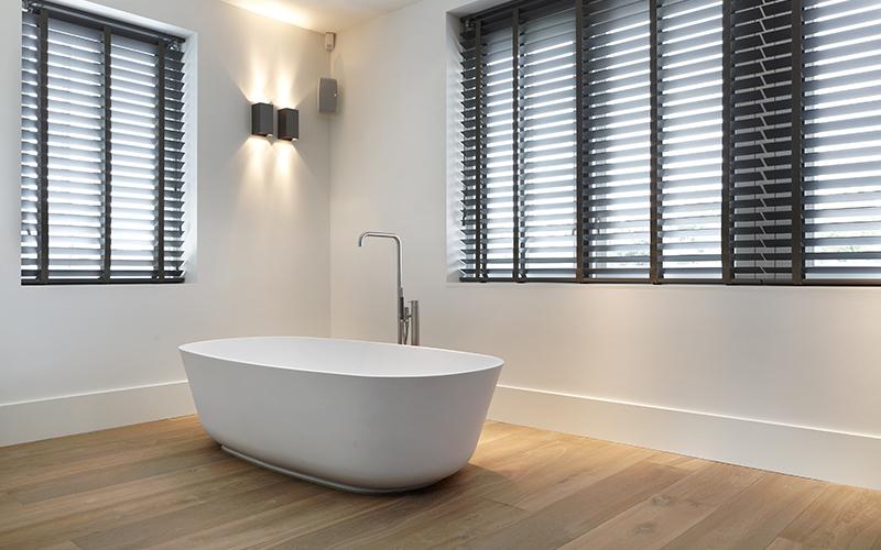 The Art of Living, Exclusief wonen, Sani-CV Service BV, Sanitair, bad, ligbad, sanitair, badkamer, luxe, exclusief, shutters,