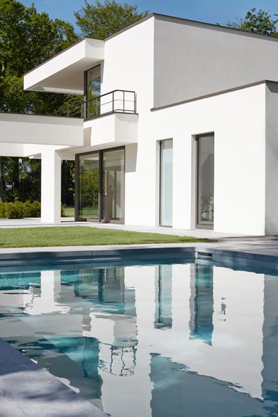 Vlassak-Verhulst, zwembad, tuin, landhuis, hovenier, architectuur, tuininspiratie, stucwerk