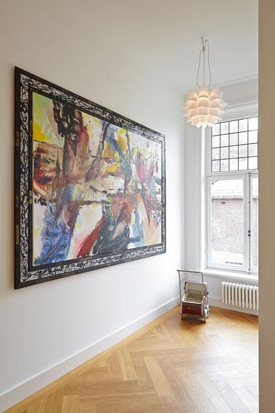 The Art of Living, Exclusief wonen, Houten vloer Visgraat motief Ed Roodbol, schilderij, stucwerk, raam, kunst