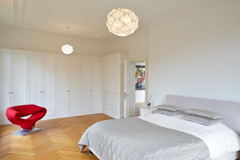 Slaapkamer Houten Vloer : Verbouwing romantische villa the art of living nl