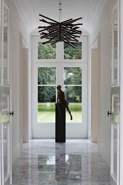 Vlassak-Verhulst, kunst, hal, deuren, vloer, marmer, wit, interieurinspiratie, interieurdesign