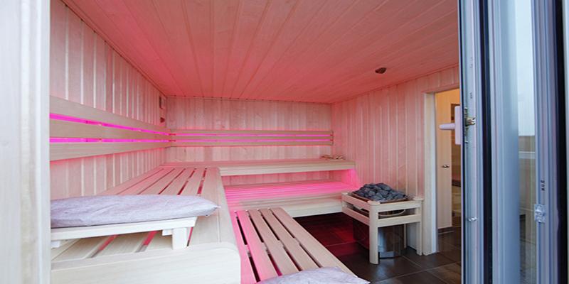 The Art of Living, Exclusief wonen, Architect Crepain, sauna, luxe, wellness, penthouse, hout, design, interieur, modern, ontspanning, tegelvloer