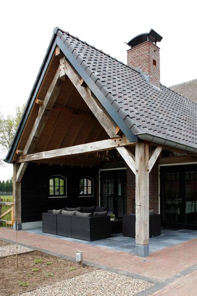 The Art of Living, Exclusief wonen, Loungebank, buitenterras, overdekt terras, pannendak, authentieke accenten, Borrenbergs Bouwbedrijf bv
