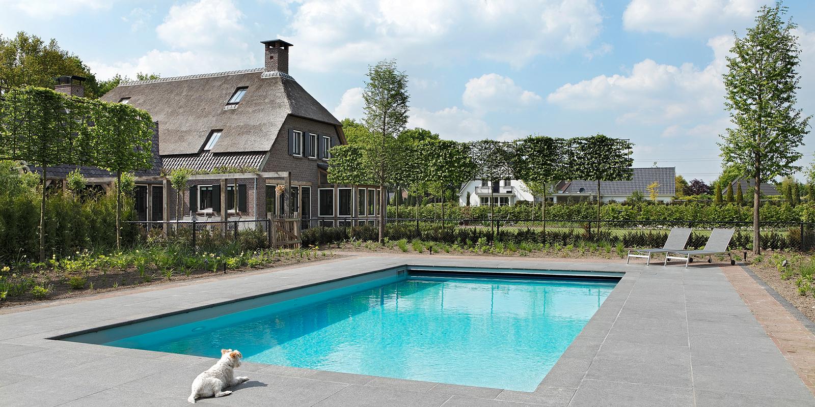 The Art of Living, Exclusief wonen, Zwembad, Zwedak recreatiebouw bv, Fons Linders, tuin, boerderij, rietendak