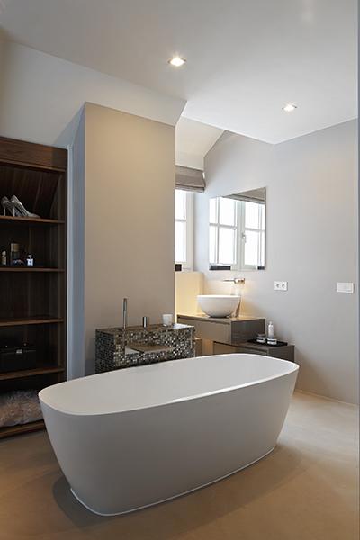 The Art of Living, Exclusief wonen, Van Boven exclusieve badkamers, bad, ligbad, wellness, villa, luxe, design, sanitair, spiegel