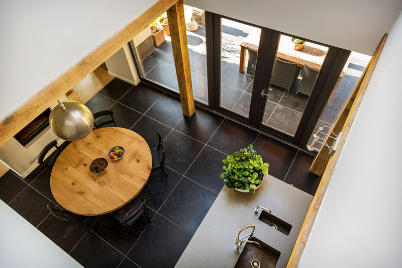 The Art of Living, Exclusief wonen, design woonkamer, keuken, modern, landhuis, villa, hout, tegelvloer, stucwerk