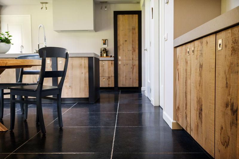 The Art of Living, Exclusief wonen, keuken, hout, tegelvloer, design, interieur, landhuis, modern
