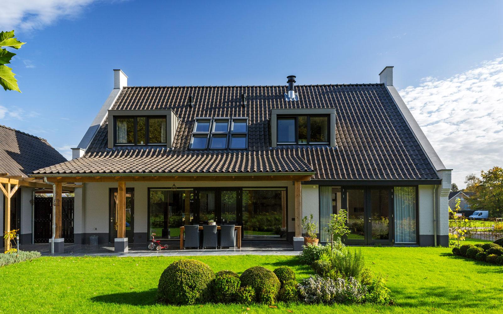 The Art of Living, Exclusief wonen, Van Gogh Bouwbedrijf, tuin, landhuis, terras, garage, architectuur, tuinarchitectuur, exterieur
