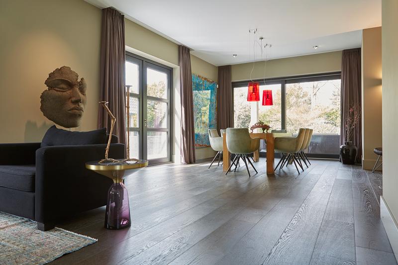 Bob Manders heeft samen met Van Pelt Architecten deze villa ontworpen.