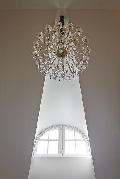 The Art of Living, Exclusief wonen, Marco Daverveld Interieur designer, kroonluchter, plafond, ramen, design, modern, kunst, interieur