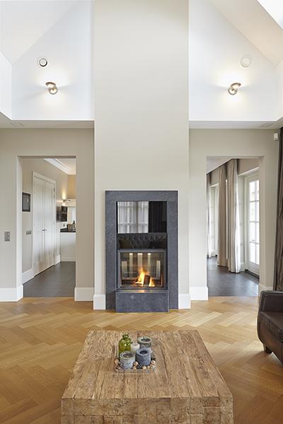 The Art of Living, Exclusief wonen, Marco Daverveld Interieur designer, openhaard, kachel, woonkamer, design, modern, interieurdesign, wit, hout