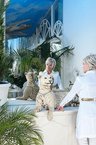 The Art of Living, Exclusief wonen, Bergers Interieurs (meubelen/gordijnen), interieur, spiegel, penthouse, jaguar, indoor design, Marjan Strijbosch