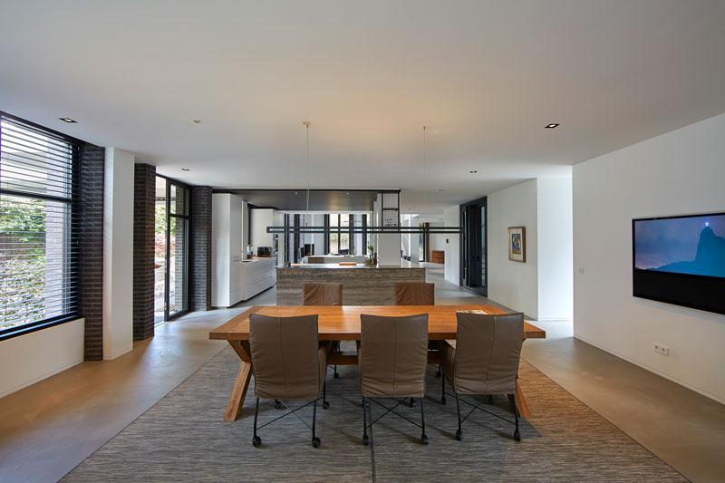 RAW Interiors heeft de meubelen in de villa verzorgd.
