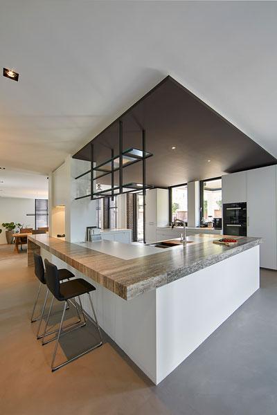De high-end Culimaat keuken beschikt over de nieuwste apparatuur.