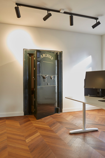 The Art of Living, Exclusief wonen, Designinterieur, designverlichting, werkkamer, kantoorruimte, vloerinspiratie