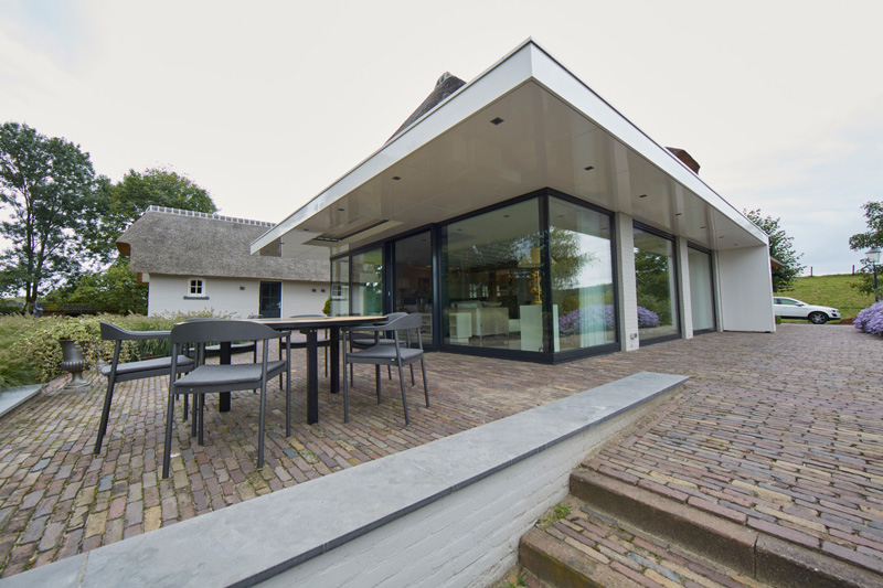Hoogakker was de aannemer die deze villa mede heeft gerealiseerd.