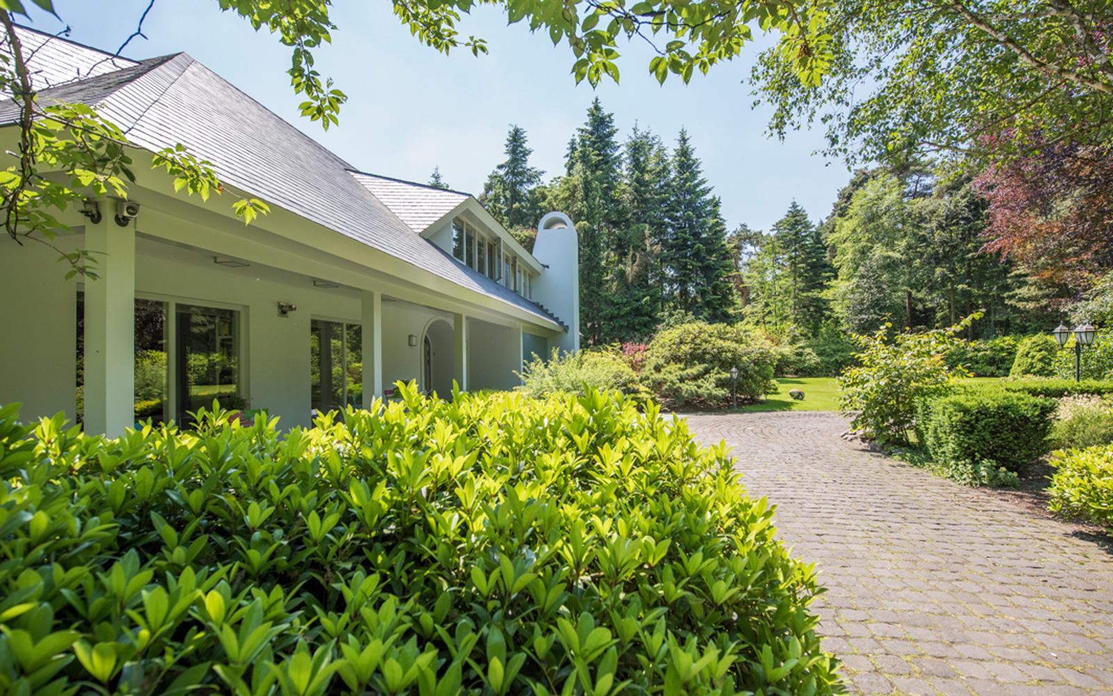 Interieuradvies en ontwerpbureau Nanne Schuiveling maakte deel uit van het team dat deze prachtige villa ontwierp.