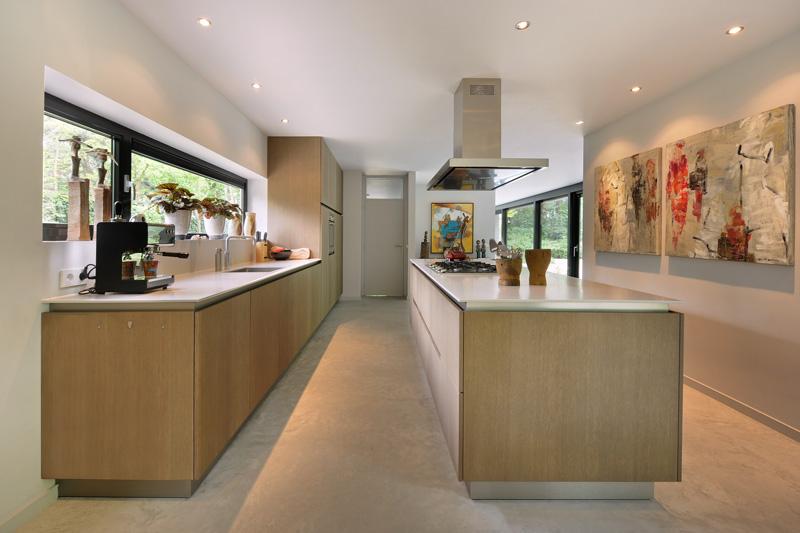 De prachtige keuken staat prachtig bij interieurdesign.
