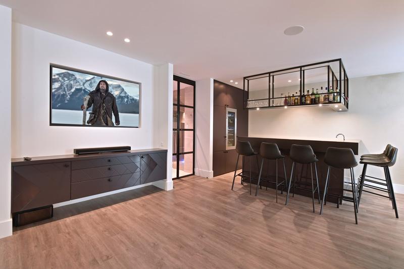 KNAB Interieurbouw heeft ervoor gezorgd dat de villa design uitstraalt.