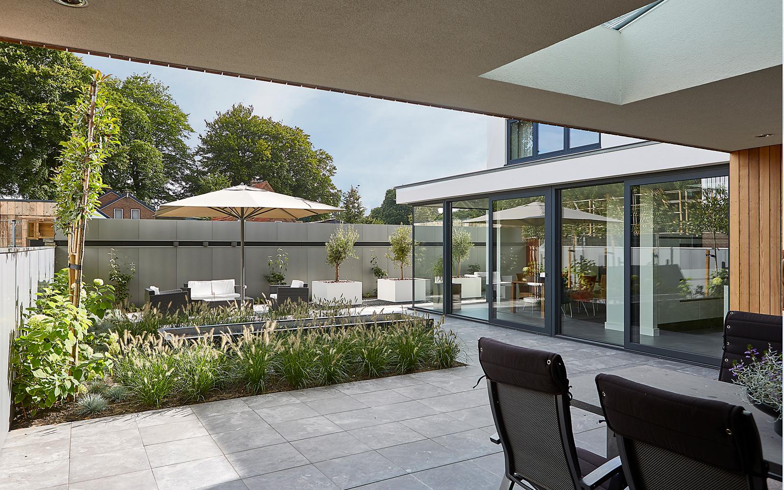 Bob Romijnders Architectuur + Interieur is verantwoordelijk voor de unieke architectuur.
