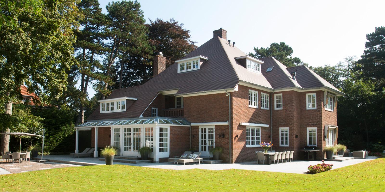 Van Egmond heeft deze luxe villa ontworpen.