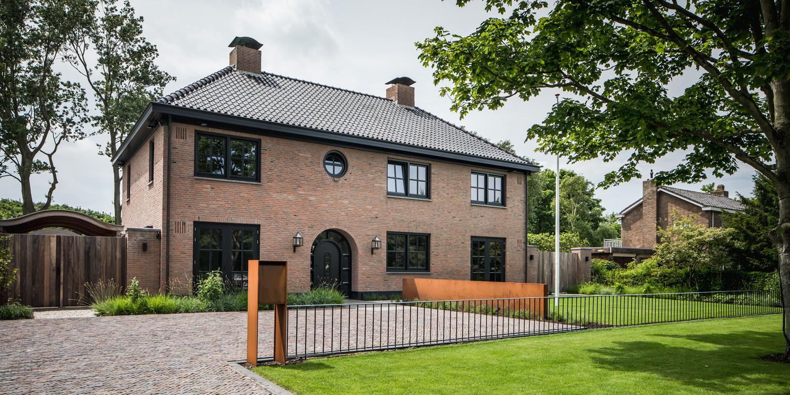 Restyle house is verantwoordelijk voor de verbouwing wat resulteerde in deze prachtige villa.
