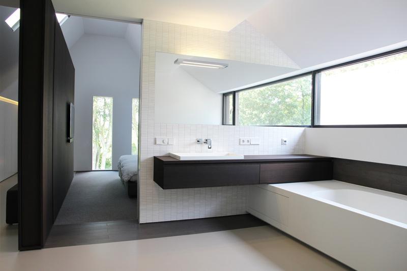 Het sanitair straalt luxe uit.