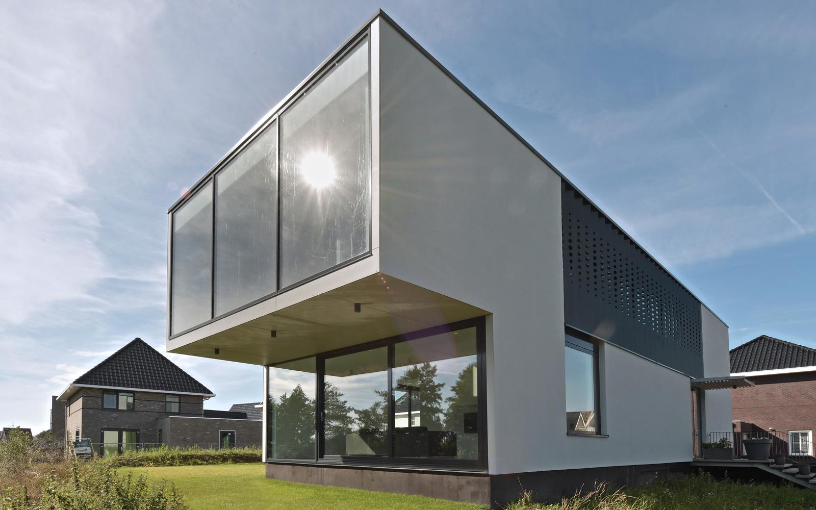 Lautenbag Architectuur heeft deze prachtige villa ontworpen.