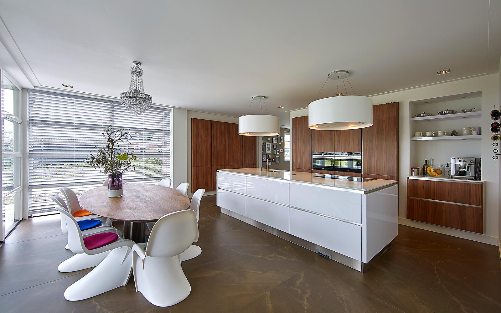 Middelkoop uit Culemborg realiseerde zowel de Schmidt keuken als de badkamer.