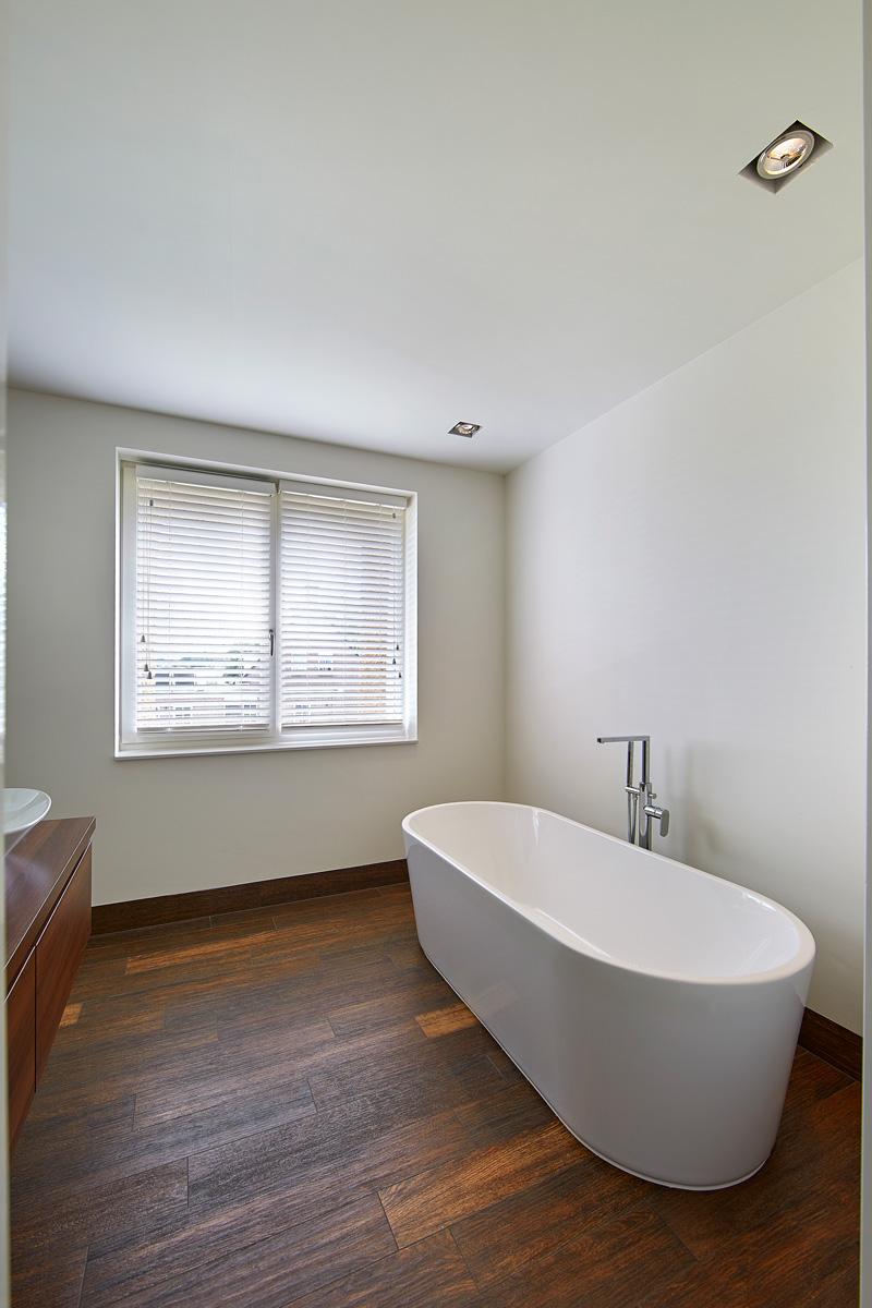 Luxe vrijstaand ligbad voor het optimale comfort.