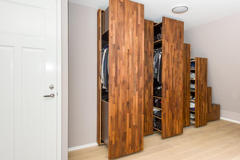 Exclusief design meubel met de benodigde opslagruimte.