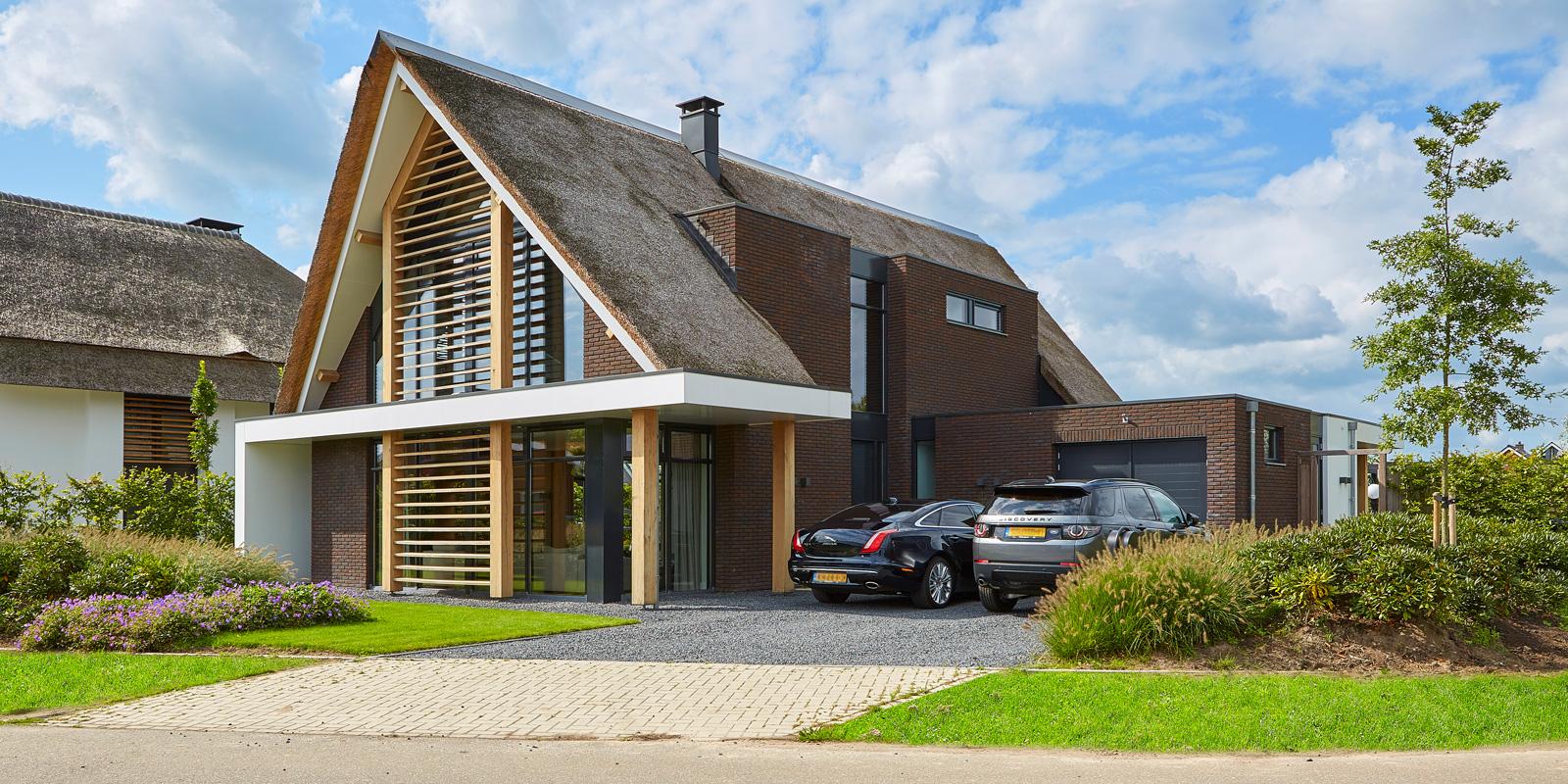Studio Marco van Veldhuizen is verantwoordelijk voor de architectuur van de villa.