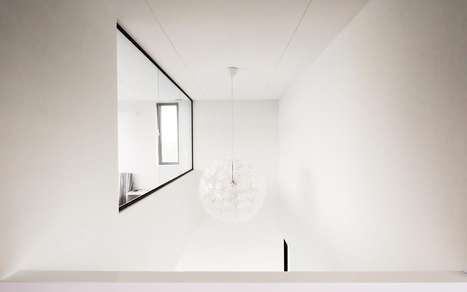 De villa is overal voorzien voor prachtige designverlichting.