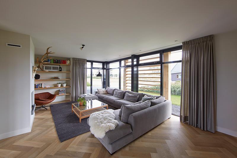 De villa is voorzien van ruime kamers die zorgen voor optimaal comfort.