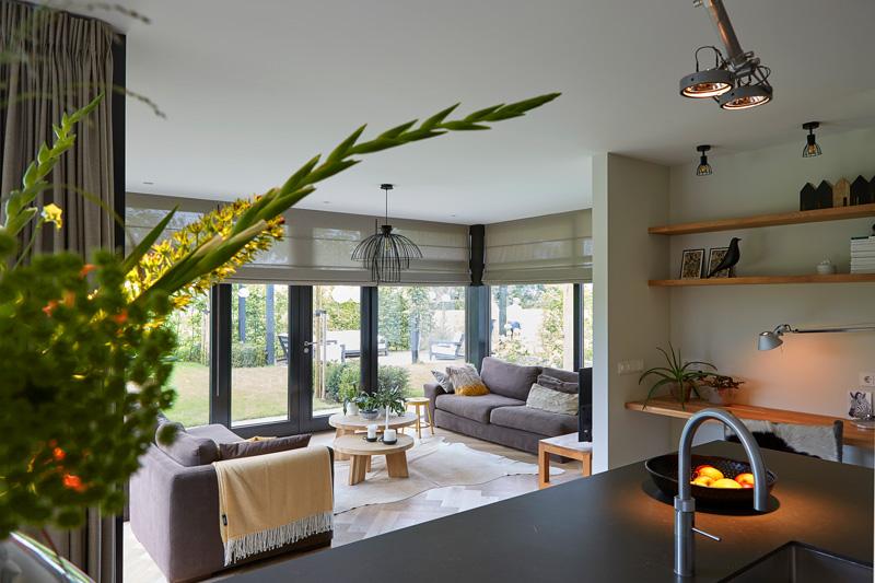 Moderne stijf gecombineerd met gepaste interieur meubelen.