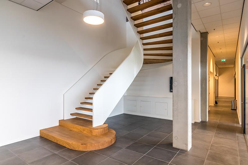 Imposante wenteltrap | Van Bruchem Staircases