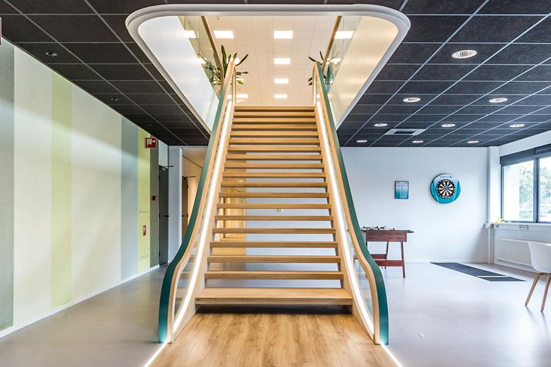 Stalen trap in modern jasje | Van Bruchem Staircases