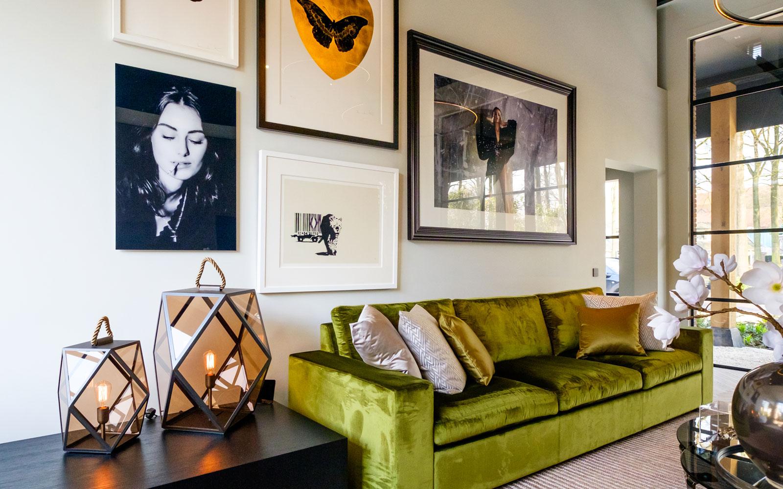 Art wall, high end, schilderijen, Paulien Huizinga, Banksy, kunst, showroom, architectenbureau Kabaz