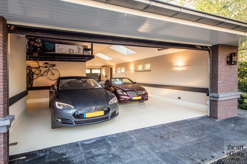 Garage, exclusieve auto's,