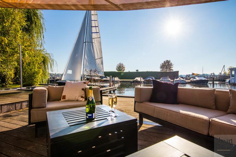Naar de bootjes kijken vanaf het terras, Versteegh Design
