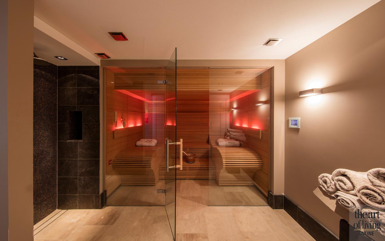 Heerlijk ontspannen in de sauna in de wellnessruimte