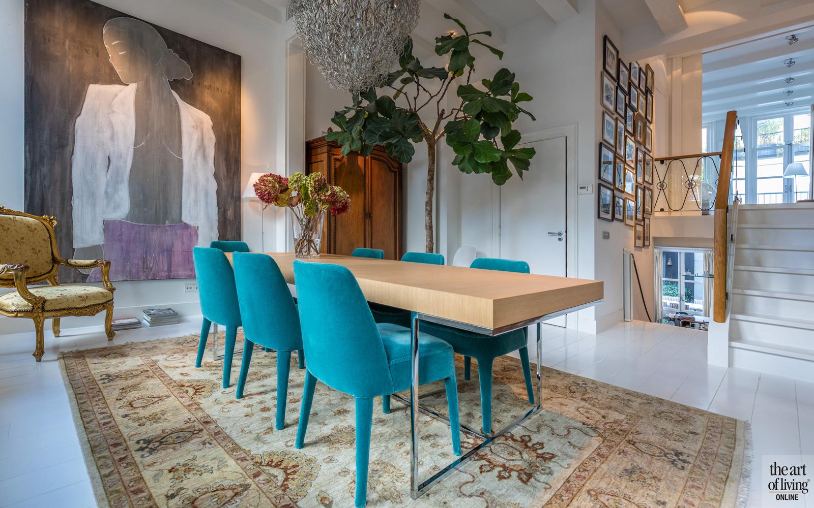 Tafel en stoelen van Maxalto, EDHA Interieur