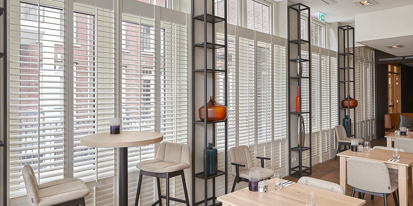 Jasno, Raamdecoratie, Shutters, Ramen, Restaurant Wiesen, Restaurant De Leyhoeve