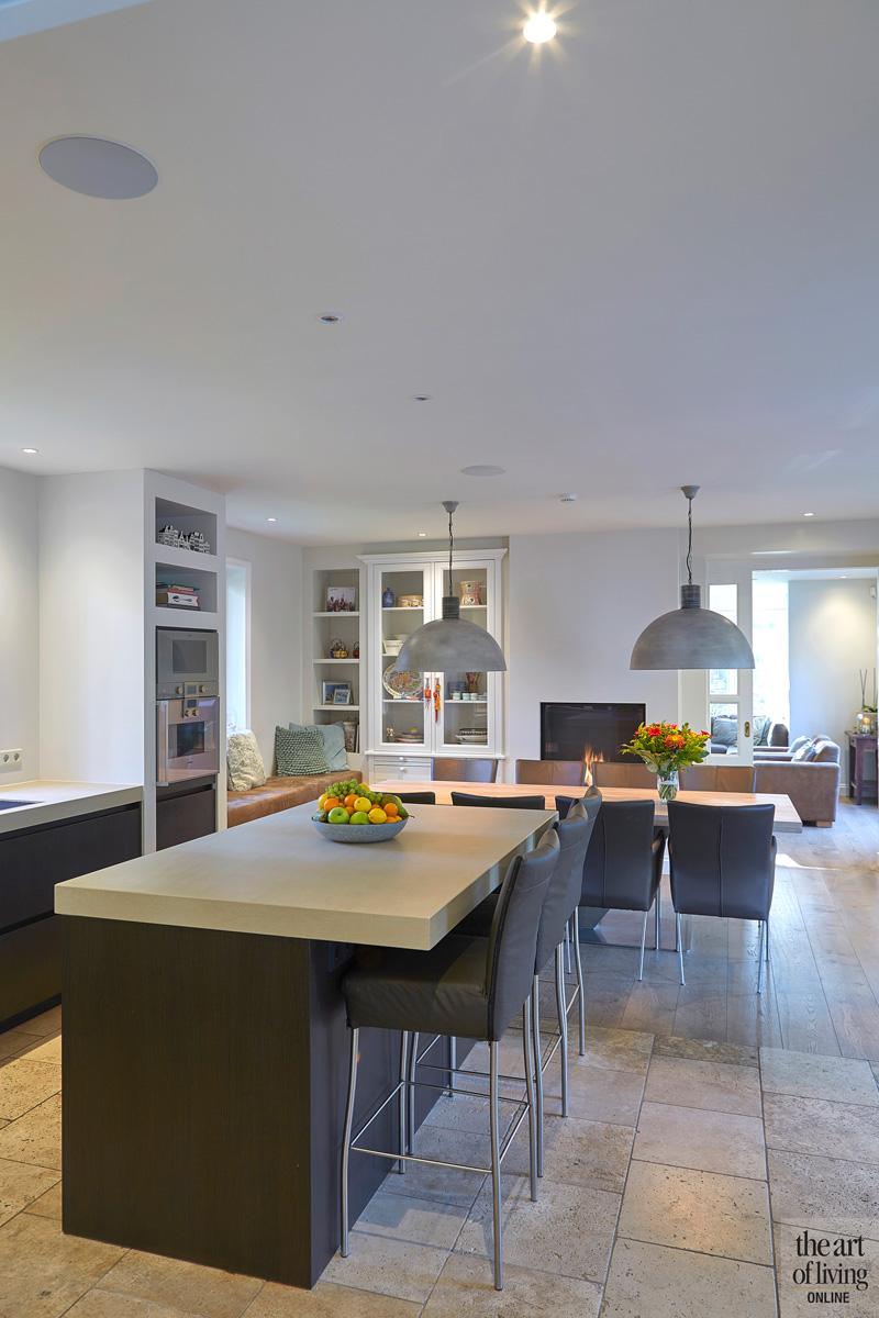 De woonkeuken van Van Diessen Keukens is de favoriete ruimte in het huis, Renovatie, Margry Arts Architect, moderne keuken.