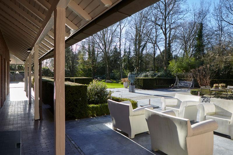 Tuin, terras, buitenmeubilair, parkachtig, landelijke villa, Francine Broos