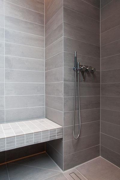 Inloopdouche, badkamer, sanitair van Vola